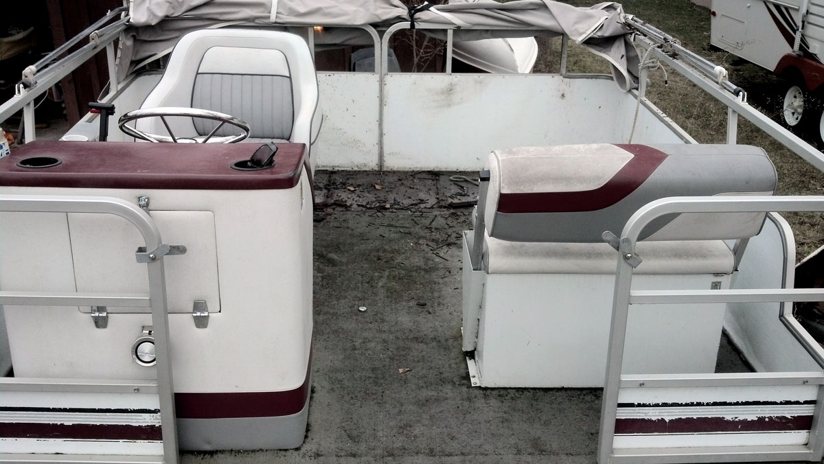 How to replace your pontoons floor the rear floor area of the pontoon needed the most attention solutioingenieria Gallery