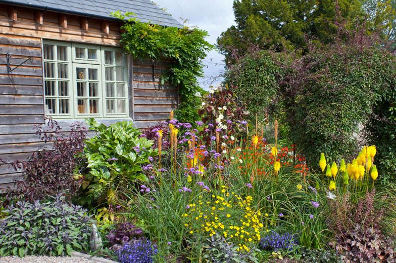 Weed proof gardening for Gartengestaltung john