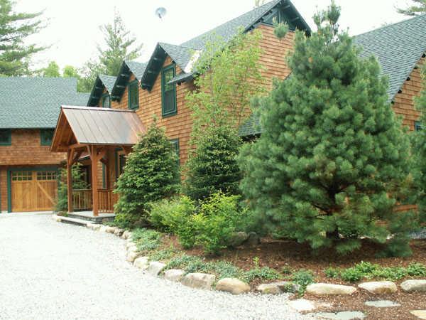 Landscaping Pictures For Log Homes : Practical cabin landscaping tips living