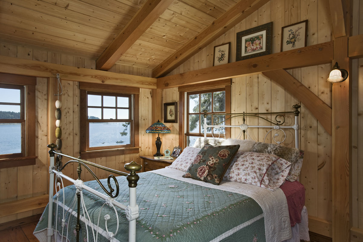 Expert interior design tips for small cabins cottages for Tiny cabin designs