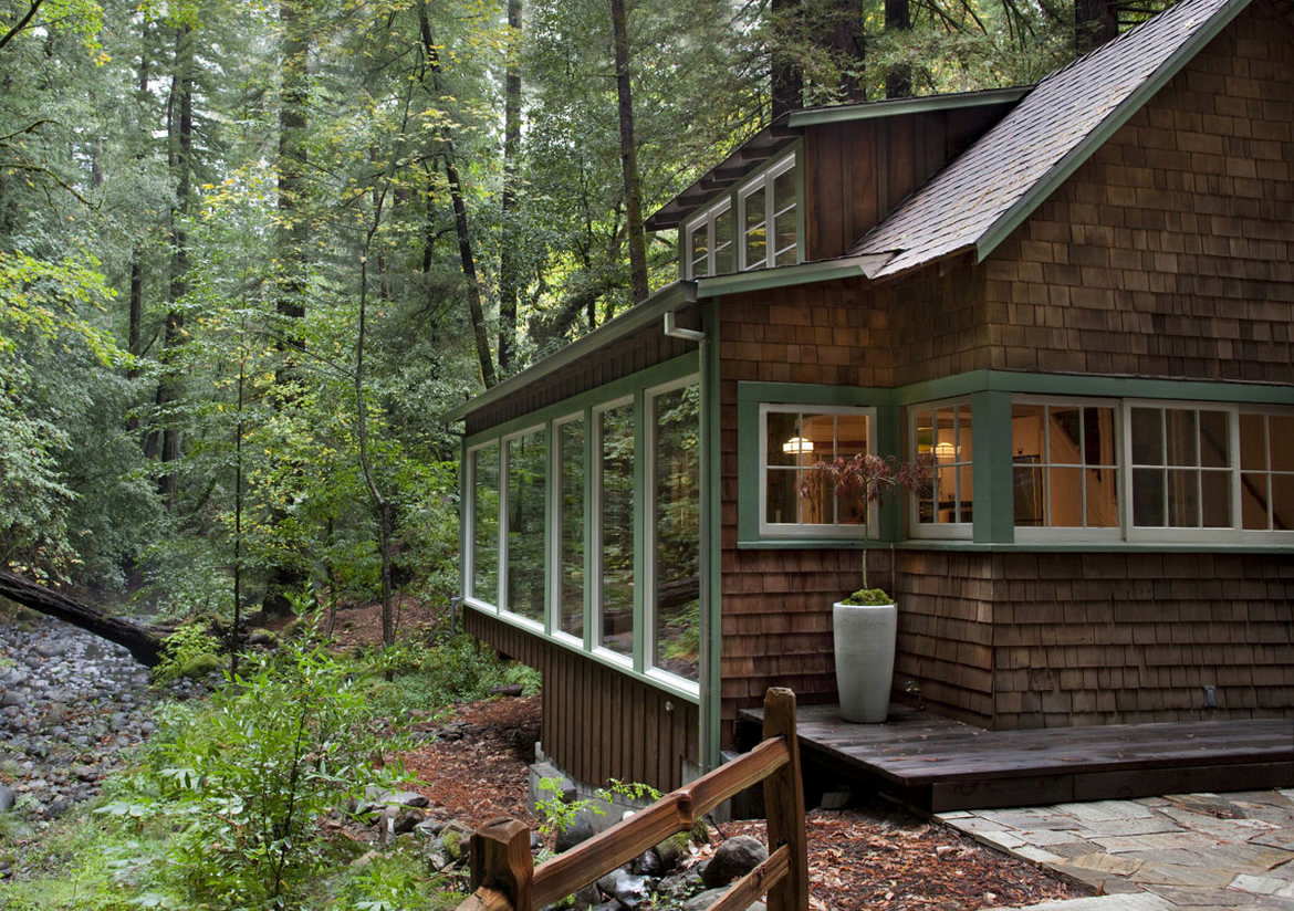 Exterior cabin California nature
