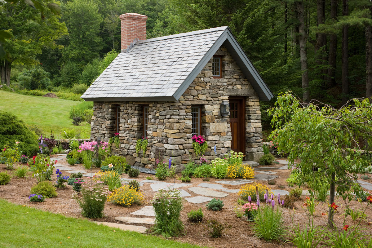 Small stone cottage in new hampshire for Stone cottage plans and photos