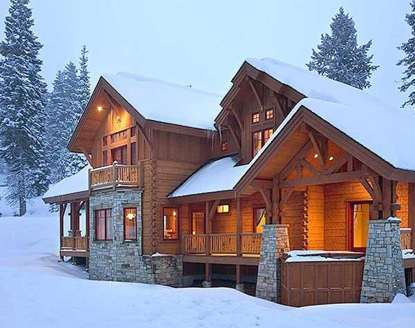 2-winter-log-home-exterior