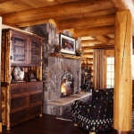 105-cabin-fireplace-hearth-600x476
