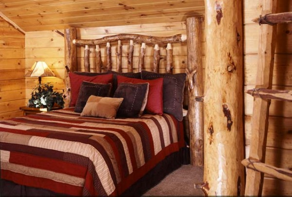 8-rustic-spare-bedroom-we-600x405