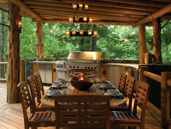 outdoor-kitchen-in-log-home