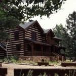 1-hearthstone-log-home-68-600x458
