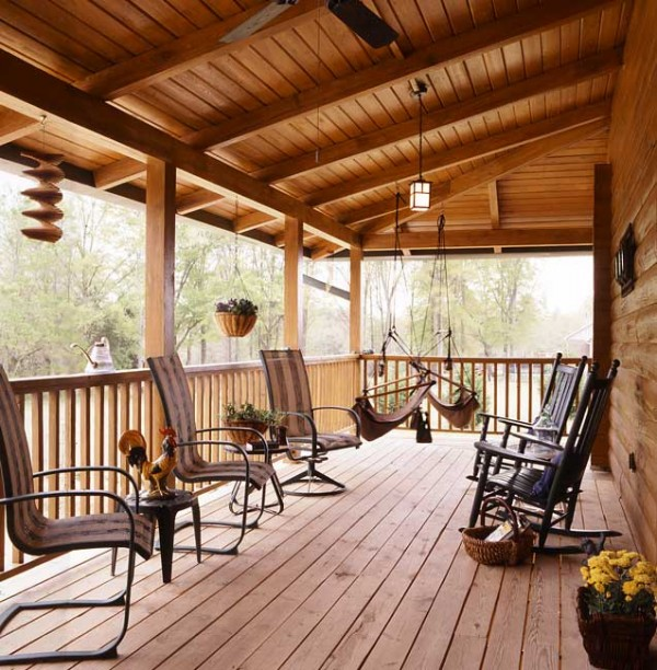 cioffi_log_home_porch-600x612