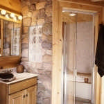 madtes_log_home_bath-300x397