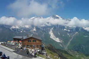 56697_mountain_lodge