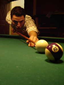 949763_miguel_playing_snooker_1