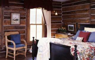 reclaimed_log_home_living