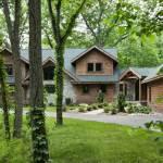 woodsy_log_home_exterior_l