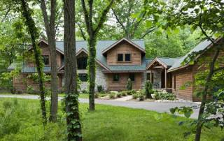 woodsy_log_home_exterior_l