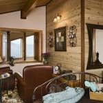 lake_log_home_bedroom
