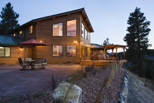lake_log_home_exterior_l