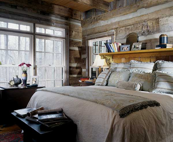 vintage-log-home-bedroom