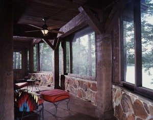 texas_log_home_enclosed_patio