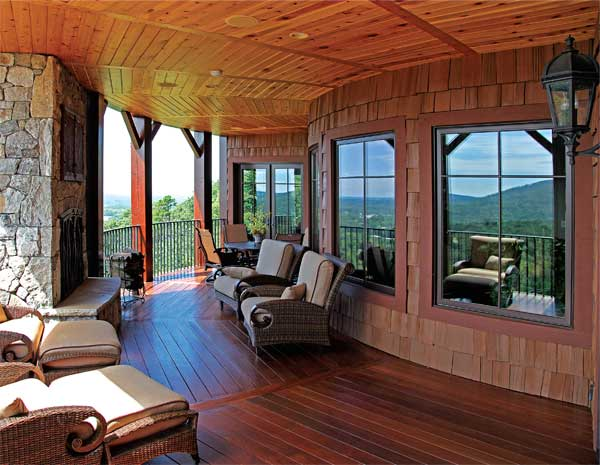 Living in a Panoramic View: South Carolina Wood Home