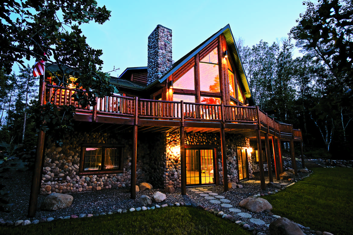 Rustic Living In A Wisconsin Half Log Home