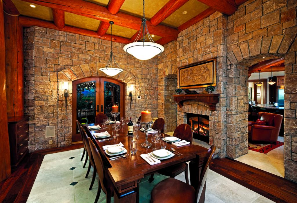 dining room in Montana log home resort