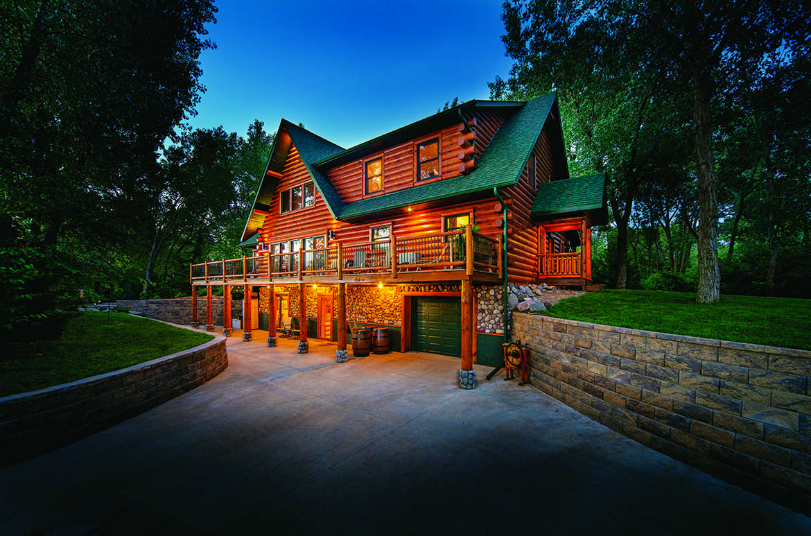 A handcrafted montana vacation log home for Vacation log homes