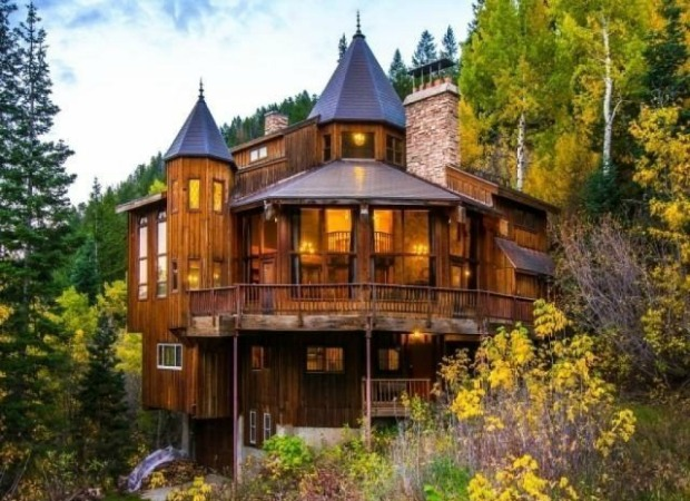 A Utah Log Cabin Castle Hybrid