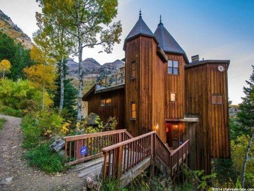 A Utah Log Cabin Castle Hybrid
