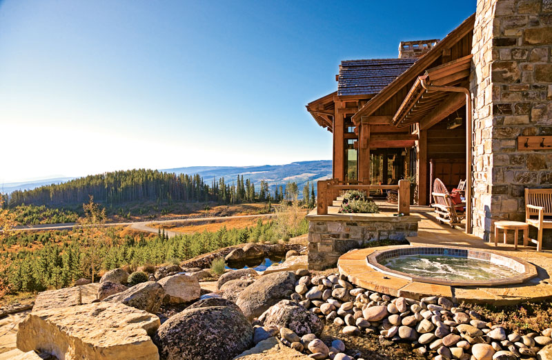 4 Summery Log Home Outdoor Spaces