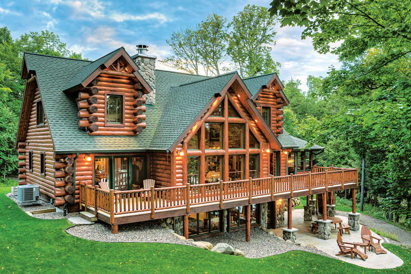 A Hybrid Half Log Home In Wisconsin