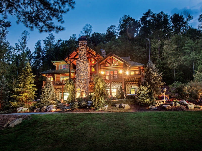 A Georgia Log Home in the Mountains