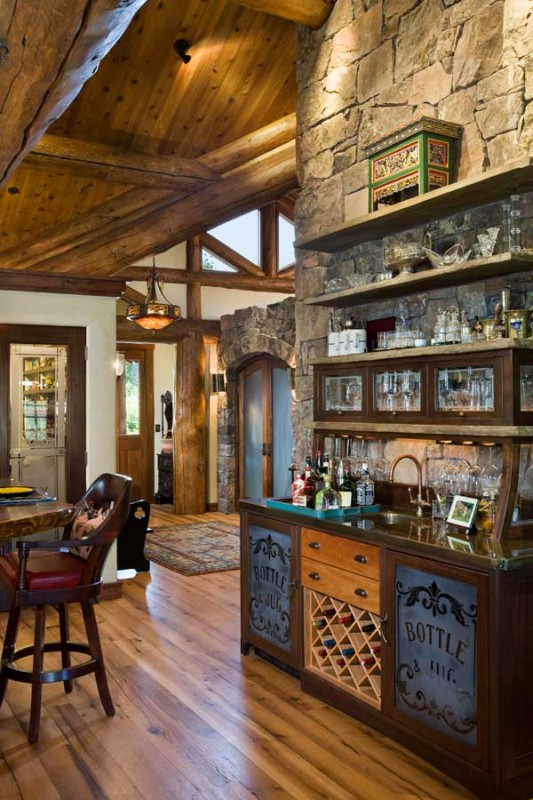 Petersen-Wyoming-reclaimed-timber-home-wet-bar-533x800
