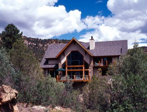 Post-and-beam-home-in-the-mountains-300x228
