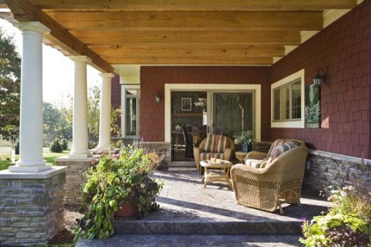 platinum-leed-certified-post-and-beam-timber-frame-home-porch-540x360