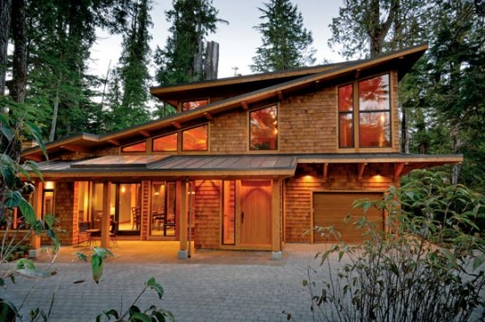 A contemporary canadian timber tree house for Canadian house styles