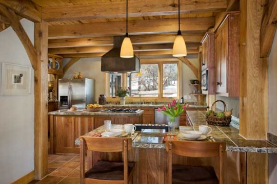 durango-timber-home-kitchen-540x360