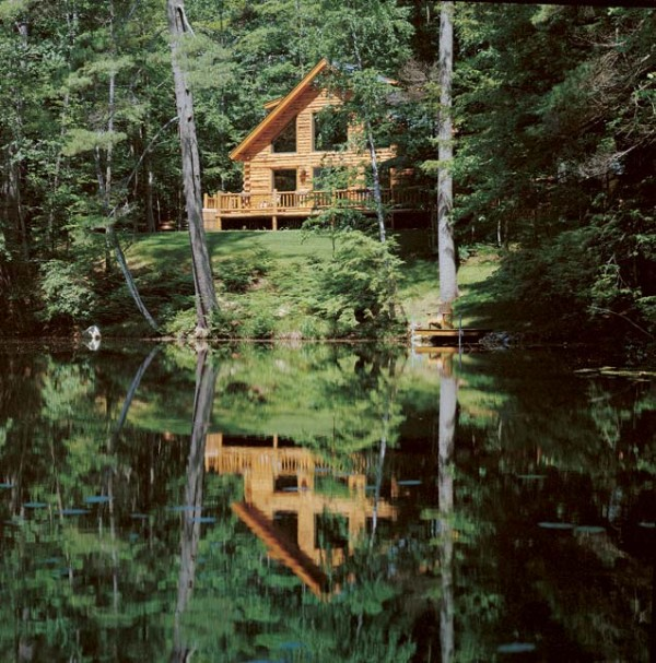 Luxury Lake Houses: Homecoming Weekend: Planning A Waterfront Log Cabin