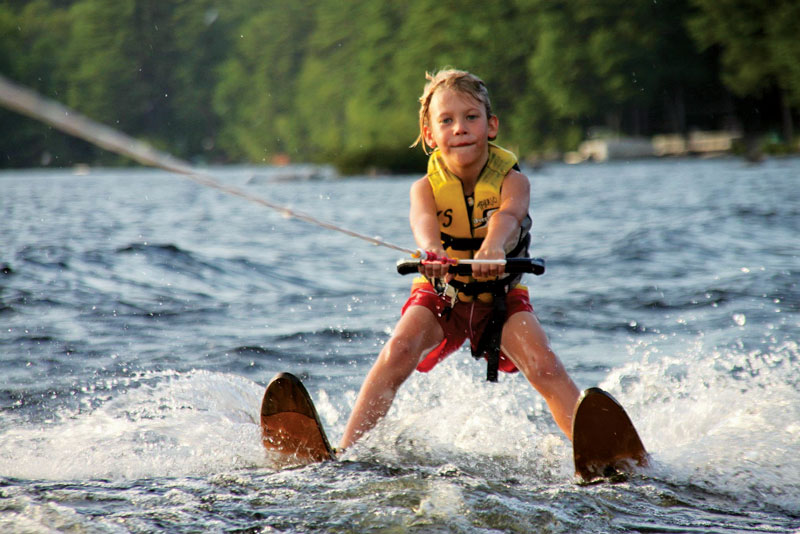 beginner-waterskier-short-tow-rope
