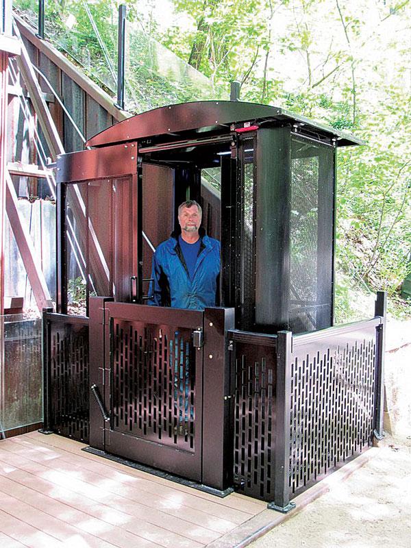 enclose-elevator-carrier-768x1024